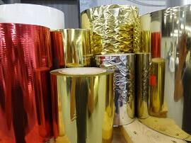 Kaltprägefolien in gold, silber und rot